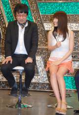 よしもと『アルバイトネタ』ライブに出席した(左から)山里亮太、有村架純 (C)ORICON NewS inc.
