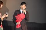 3月29日 が誕生日の西島秀俊(43)には花束が贈られれた (C)ORICON NewS inc.