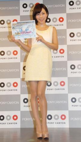 ミニスカ姿で魅了した釈由美子=DVD『妖精おじさん ディレクターズカット版』発売イベント (C)ORICON NewS inc.