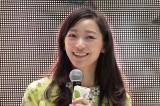 連続テレビ小説『ごちそうさん』最終回(昼の再放送)を大阪市内で1000人のファンとパブリックビューイングで鑑賞したヒロイン・西門め以子役の杏(C)NHK