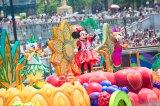 トロピカル気分満点のTDS「ディズニー・サマーフェスティバル」(c)Disney