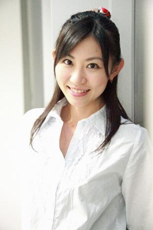 サムネイル 第1子出産を報告した岡村麻純