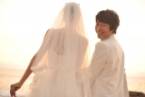 ハワイで挙式した田村淳(右)と新妻・香那さん (C)テレビ朝日