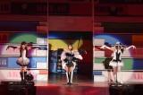 『AKB48リクエストアワー セットリストベスト200 2014』(昼の部)より「Bird」を披露 (C)AKS