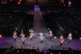 『AKB48リクエストアワー セットリストベスト200 2014』(昼の部)より「いつのまにか、弱い者いじめ」を披露 (C)AKS