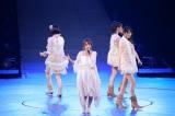 『AKB48リクエストアワー セットリストベスト200 2014』(昼の部)より「記憶のジレンマ」 (C)AKS