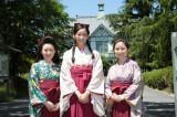 ドラマ『ごちそうさん』に出演する(左から)前田亜季、杏、宮嶋麻衣