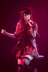 公演唯一のソロ曲「虫のバラード」を披露した渋谷凪咲/NMB48チームBII「逆上がり」初日公演 (C)NMB