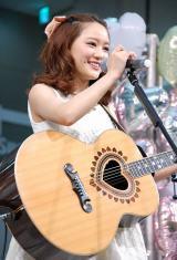 3rdシングル「Twinkle Days」発売記念イベントを行ったchay (C)ORICON NewS inc.