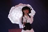 NMB48兼任の渡辺美優紀は松井玲奈の代表曲「枯葉のステーション」を披露(C)AKS