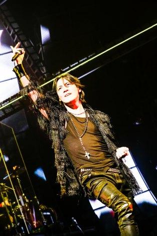 横浜スタジアム2daysで全50公演のロングツアーを締めくくる氷室京介