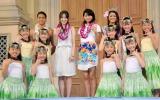 映画『わたしのハワイの歩き方』公開記念イベントに出席した(中央左から)高梨臨、榮倉奈々 (C)ORICON NewS inc.