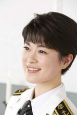 CDデビューも果たし、「美しすぎる海上自衛官」と話題になった三宅由佳莉・3等海曹 (集英社『国防女子』より) (C)宮嶋茂樹