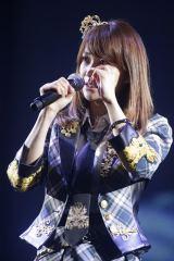 『大島優子感謝祭』でAKB48卒業への不安も語り、涙ぐんだ大島優子(5日=インテックス大阪)(C)AKS