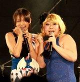 misono(左)と、姉・倖田來未の物まねで登場したやしろ優(右)