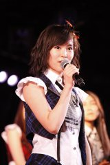 AKB48劇場初ステージで「脱・借り猫」宣言した山本彩(C)AKS