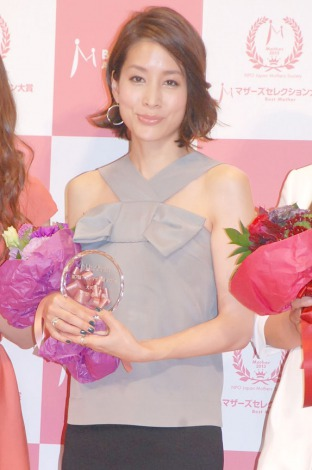 『第7回 ベストマザー賞 2014』授賞式に出席した内田恭子 (C)ORICON NewS inc.