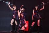 ユニット曲「嵐の夜には」(8日=HKT48劇場)(C)AKS