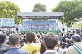 AKB48チーム8が初々しい初ステージ(10日=熊本市動植物園)(C)AKS