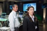 無料BS 「Dlife」(BS258ch)で放送中のドラマ『東京ガードセンター』第7話に出演する(左から)柳葉敏郎、吉田沙保里