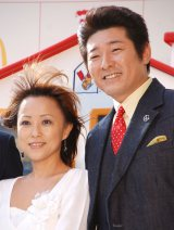 妻・つちやかおり(左)の事故を謝罪した布川敏和(右) (C)ORICON NewS inc.