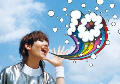 デビュー10周年記念企画を発表した木村カエラ