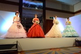 イベントではウエディングドレスのファッションショーも行われた