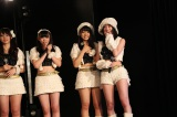 SKE劇場で速報結果を見守った(右から)松井珠理奈、二村春香 (C)AKS