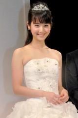 純白のドレスがお似合いの佐々木希 (C)ORICON NewS inc.