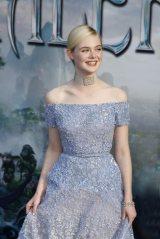 ハリウッドで開催された映画『マレフィセント』ワールドプレミアに来場したエル・ファニング