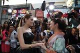 映画『マレフィセント』のワールドプレミアでアンジェリーナ・ジョリーから「綺麗な着物ね!」と絶賛された上戸彩