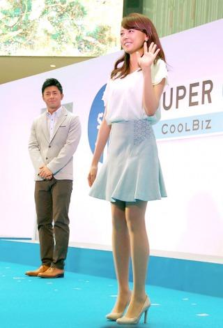 「スーパークールビズ」ファッションショーで美脚を披露した宮澤智アナウンサー=『スーパークールビズ2014 キックオフ・イベント〜COOL BIZ 10th〜』 (C)ORICON NewS inc.
