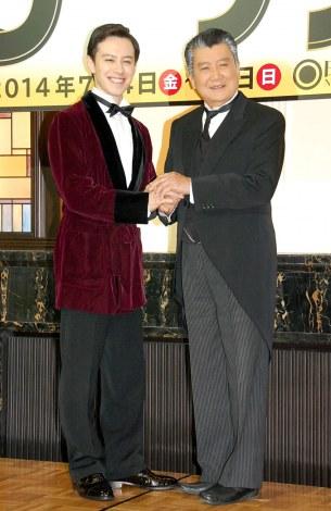 ミュージカル『天才執事 ジーヴス』製作発表会見に出席した(左から)ウエンツ瑛士、里見浩太朗 (C)ORICON NewS inc.