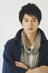 テレビ東京が向井理主演で『永遠の0(ゼロ)』ドラマ化。原作の魅力をより掘り下げ、2015年に3夜にわたって放送