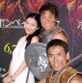 映画『ポンペイ』の公開記念イベントに出席した(左から)壇蜜、八木真澄、ワッキー (C)ORICON NewS inc.