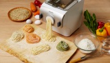 野菜ジュースやハーブを加えて、アレンジパスタも簡単調理!  『フィリップスヌードルメーカー』