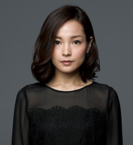 7月7日スタートのTBS系ドラマ『ペテロの葬列』に出演する国仲涼子(C)TBS