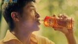 『太陽のマテ茶』新CMで、ブラジル時代を懐かしむ姿を見せている三浦知良選手 (C)ORICON NewS inc.