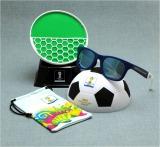 サッカーボール型ケースが付いたZoffのサングラス