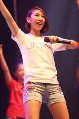 JKT48の6thシングル「ギンガムチェック」発売記念コンサートに初登場した近野莉菜 (C)JKT48 Project