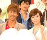 ドラマ『GTO』制作発表会に出席した(左から)AKIRA、比嘉愛未 (C)ORICON NewS inc.