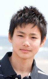 2009年の『THE PUSH!マン〜あなたの周りのイケてる子募集〜』でグランプリを受賞した野村周平(当時15歳)