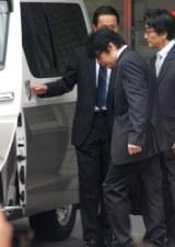車に乗り込むASKA被告 (C)ORICON NewS inc.