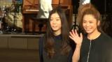 ランウェイを楽しげに歩くCharaとSUMIREの母娘2ショット (C)ORICON NewS inc.