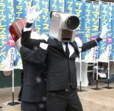 """映画館でおなじみ""""パトランプ男""""(左)、""""カメラ男""""(右) (C)ORICON NewS inc."""