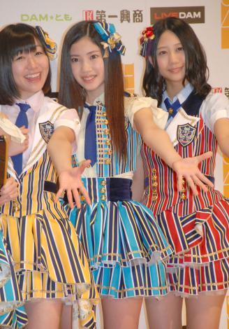 第一興商『SKE48 7期生メンバーオーディション』発表会に出席した(左から)須田亜香里、北川綾巴、古畑奈和 (C)ORICON NewS inc.