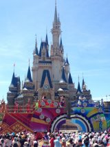 東京ディズニーランドできょうから「ディズニー夏祭り」開催! シンデレラ城前で和テイストのショーが華やかに♪ (C)oricon ME inc.
