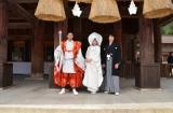(左から)井坂俊哉、佐々木希、平岡祐太