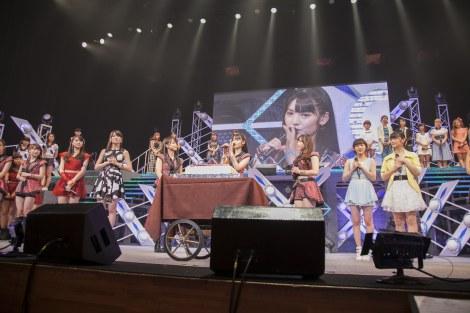 『Hello! Project 2014 SUMMER 〜KOREZO!〜』初日、1日早く誕生日を祝福され驚く道重さゆみ