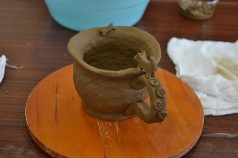 みんなで末家焼のカップを制作! 『東北 器の絆親子陶芸教室』の模様(13日=宮城県・亘理町勤労青少年ホーム)